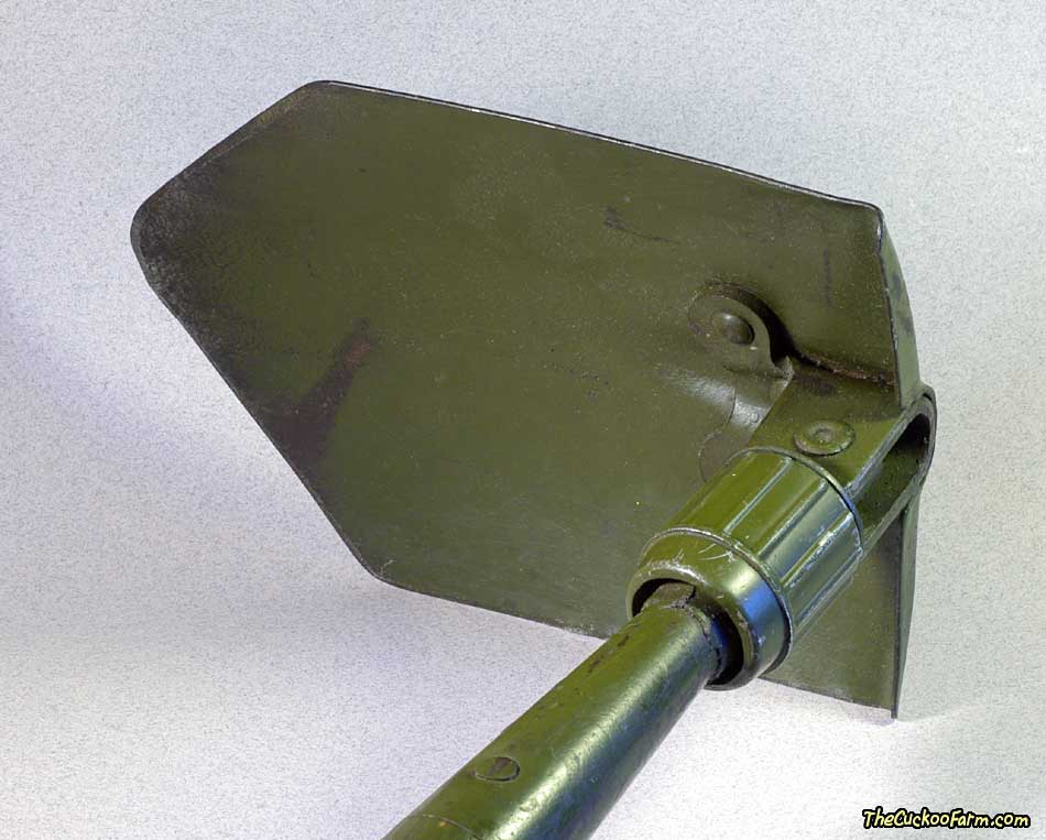 US WWII M-1943 Entrenching Tool