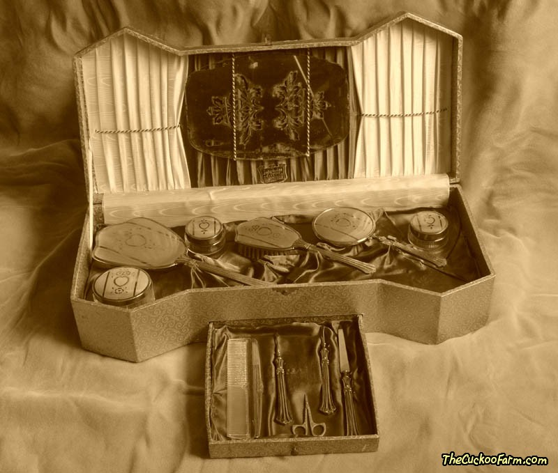 Ladies Dresser Set by Jule Brite